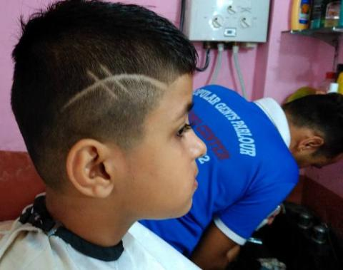 New Hairstyle Popular Gents Parlour